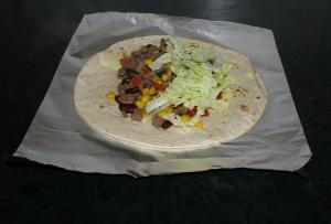 Tortillalefse på vei til å bli en Burrito Foto: Karl Inge S