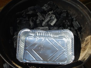 Formen settes ned før kull fylles på Foto:Karl Inge S