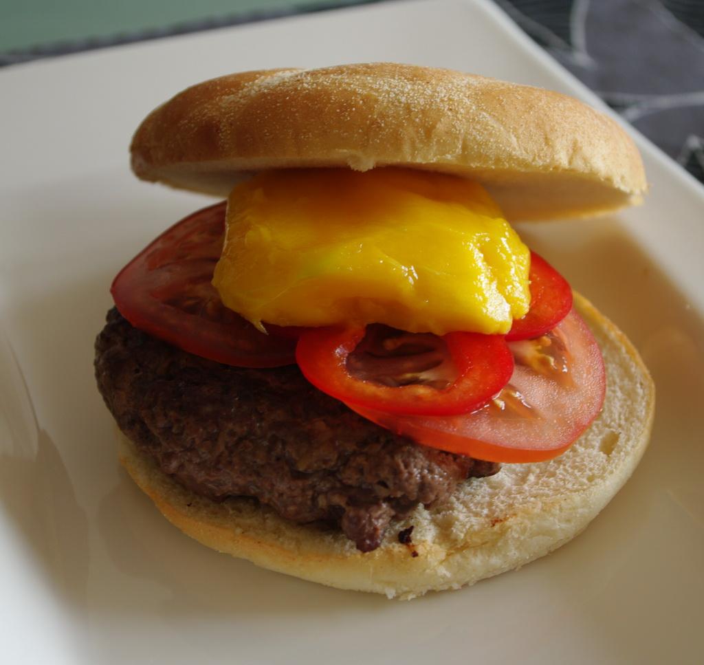 Hamburger med mango foto:karlingestumo